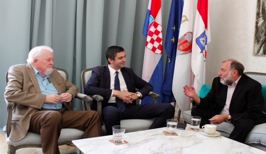 Animal care in Dubrovnik- Mayor Frankovic hosts Network For Animals leadership 14
